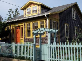 CHARMING 1920'S ARTS & CRAFTS HOUSE. QUIET & CENTR - Provincetown vacation rentals