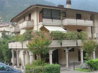 Cozy 1 bedroom Angolo Terme Apartment with Internet Access - Angolo Terme vacation rentals