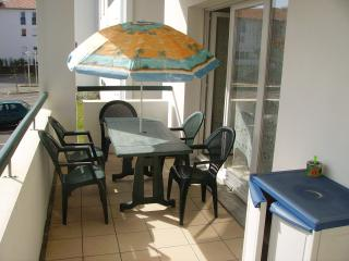 Nice Condo with Internet Access and Balcony - Hendaye vacation rentals
