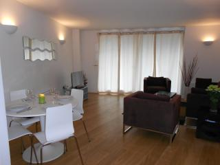 Oasis Two Bedrooms Apartment at Docklands Lumina - London vacation rentals