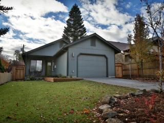 Downtown Pet Friendly Two Blocks to Downtown - Bend vacation rentals