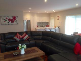 VILLA MONARMA MELBOURNE - LOCATION & SPACE - Keilor Downs vacation rentals