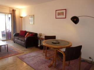 Cavell Two Bed - Cannes vacation rentals