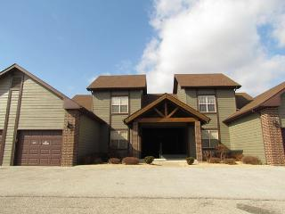 Puttin on the Green- 3 Bedroom, 3 Bath, Stonebridge Villa with Garage - Missouri vacation rentals