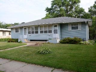 Brand New Rental - Close to Mayo Clinic and St Mary's! Luxury and amenities! - Rochester vacation rentals