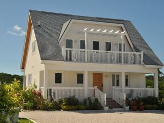 Thatchberry Villas - Cocoplum 2 Bdrm - George Town vacation rentals
