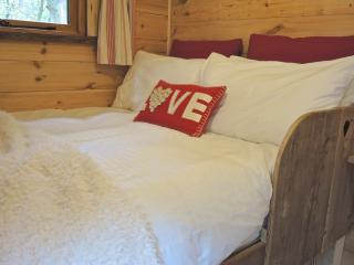 Shepherd's Hideaway - Whippingham vacation rentals
