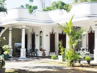 5 bedroom Bed and Breakfast with Internet Access in Hambantota - Hambantota vacation rentals