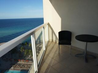 LA PERLA UNIT 1/1.5 ON 15TH FL WITH AMAZING VIEWS - Sunny Isles Beach vacation rentals
