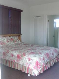 Boggie Pond - Queen Bedroom - Cat Island vacation rentals