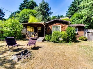 Charming, pet-friendly beach cottage 1 block from sand! - Cannon Beach vacation rentals