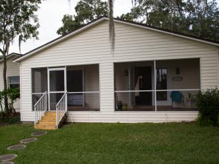 Peaceful Lake Front Cottage in the heart of Brando - Brandon vacation rentals