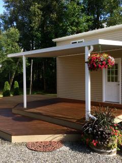 Arlington Riverfront Luxury Cabin - Arlington vacation rentals