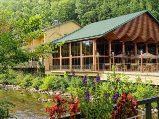Charming Studio at Westgate River Terrace Resort - Gatlinburg vacation rentals