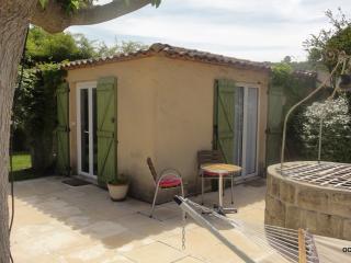 POOL, charming independant Cottage** for lovers - Castelnau-le-Lez vacation rentals