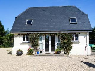 FAIRY LANE STUDIO, romantic, with open fire in Courtown, County Wexford, Ref 3987 - Courtown vacation rentals
