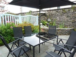SPYRI COTTAGE, fabulous lakeland cottage, woodburner, en-suite, dog welcome, stunning scenery, in Windermere, Ref 914491 - Windermere vacation rentals