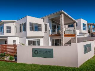 Escape at Nobbys - steps away from Nobbys Beach - Port Macquarie vacation rentals