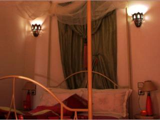 """Riad Aquarelle - La Chambre """"Pétales de Rose"""" - Marrakech vacation rentals"""