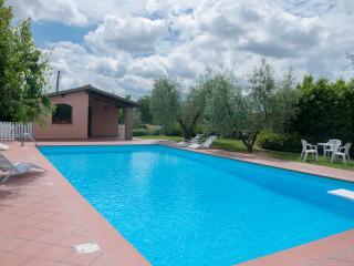Residenza il Palazzo - Appartamento il Nido - Castiglione Del Lago vacation rentals
