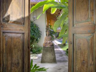 Villa Kampung Kecil 3-bedroom villa in Seminyak - Seminyak vacation rentals