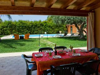 VILLA A MARE: wonderful villa with private pool at - Santa Croce Camerina vacation rentals