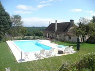Dordogne holiday farmhouse.  Heated, private pool. - Jumilhac-le-Grand vacation rentals