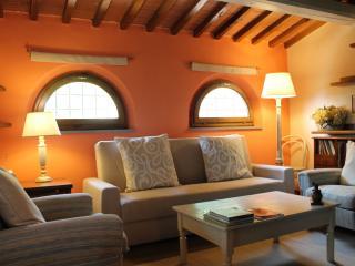 Cozy 2 bedroom House in Massa e Cozzile - Massa e Cozzile vacation rentals