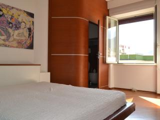 Sea view apartment in the center - Salerno vacation rentals