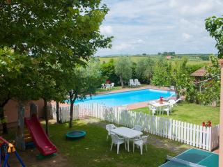 Residenza il Palazzo - Appartamento il Noce - Castiglione Del Lago vacation rentals