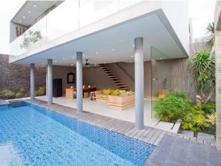 Sandhya, 3 Bedroom Villa,5 min Walk to Echo Beach - Seminyak vacation rentals