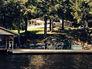 Lake Muskoka - 2800' sf Post &Beam 4 Season-Island - Muskoka Lakes vacation rentals