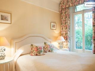 Charming Chelsea, One bed on exclusive Sloane Gardens - London vacation rentals
