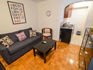 Awesome 2 bedroom~murray hill~deal - New York City vacation rentals