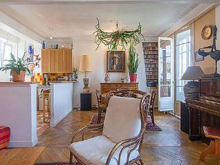 Beautiful 2 Bedroom Apartment in Paris - Paris vacation rentals