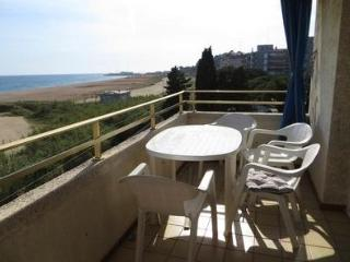 Canet Seafront swimming pool 5pax - Canet de Mar vacation rentals