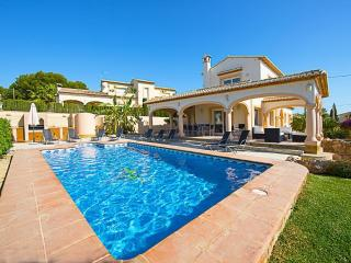 Villa Almendros -  900m to the beach with private pool and air conditioner. - Calpe vacation rentals