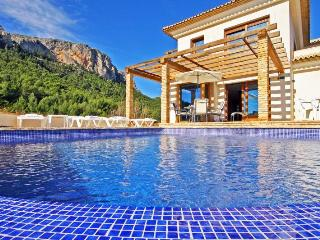 VILLA ANIS: stunning seaviews, private pool, bbq - Calpe vacation rentals