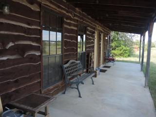 Night Bird Ranch - Round Top B&B - Hidalgo Room - Ellinger vacation rentals