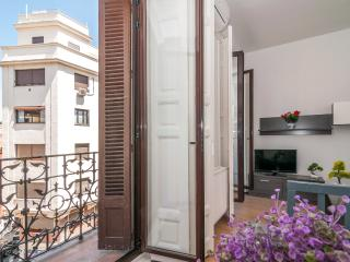 Aparment center historic Mayor/ Sol 2 bedrooms balcony - Madrid vacation rentals