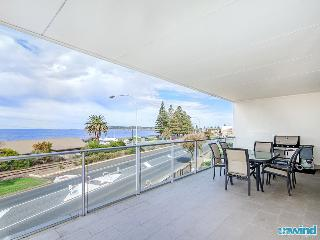 The Block no6 Apartment - Victor Harbor Beach Views - Victor Harbor vacation rentals