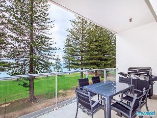 Unwind @ Breeze 28 SUPER Beachfront Penthouse, Best Location in VH - Victor Harbor vacation rentals