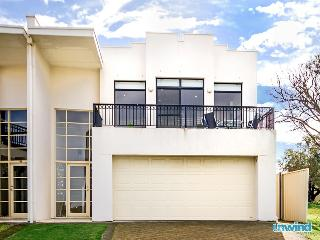 'Strangways Beach House'' - Victor Harbor Ocean Views - McCracken vacation rentals