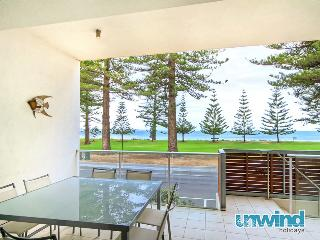 Breeze 8 Beachfront Apartment - Victor Harbor vacation rentals