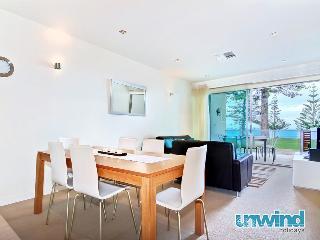 Breeze 8 Beachfront Apartment - Victor Harbor - Victor Harbor vacation rentals