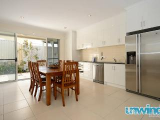 The Block no7 Apartment - Outdoor Living - Victor Harbor - Victor Harbor vacation rentals