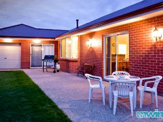 Unwind @ Coast on Charteris - South Australia vacation rentals