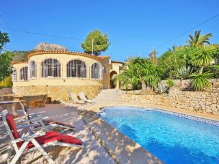 Villa Sanlio - Just 800 m to the sandbeach, harbor and restaurants. - Calpe vacation rentals