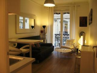 IN A FORMER PALACE - Central Louvre Madeleine area - Paris vacation rentals