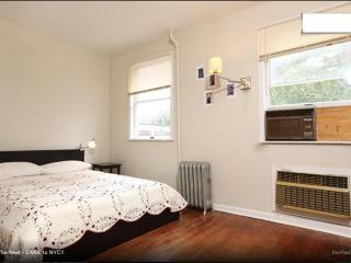 The Nest - 5 Min. to NYC!! - Long Island City vacation rentals